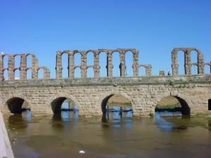 Puente romano rio albarregas